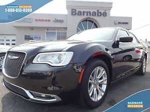 Chrysler 300 TOURING + GPS + TOIT PANO + CUIR + CAMERA + BLUETOO