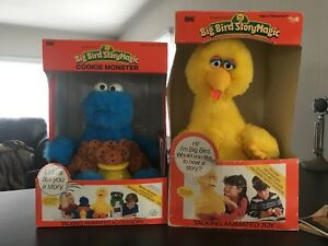 Vintage Big Bird StoryMagic from 1986 with Cookie Monster too!
