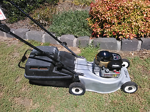 Victa Sabre 4 stroke mower with catcher and Warranty Sunbury Hume Area Preview