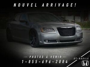 Chrysler 2012 300 S + V6 + AUDIO BEATS + PANO + MAGS + WOW !!!!