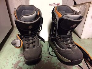 Men's Snowboard with boots and bindings Cambridge Kitchener Area image 3