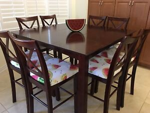 Dining table bar height for 8