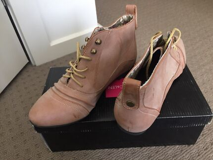 Leather Tan Ankle Boots  Craigieburn Hume Area Preview