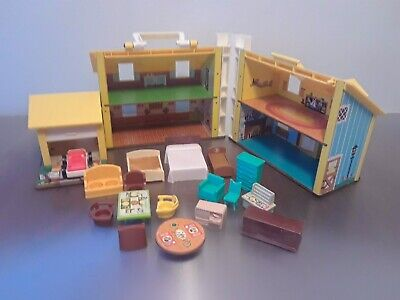 (8151) Vintage 1969 #952 Fisher Price Play Family House