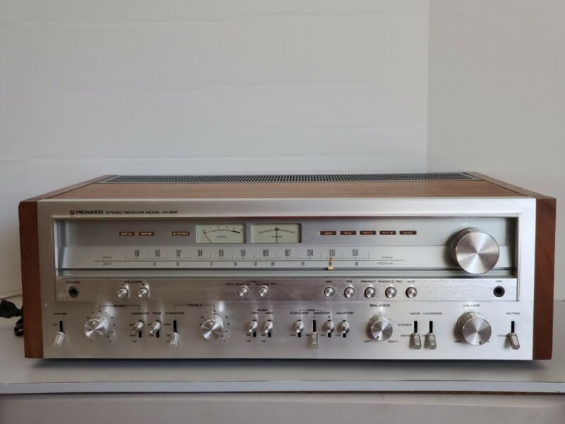 Vintage Pioneer AM/FM Stereo Receiver Model SX-850 - Working One Owner