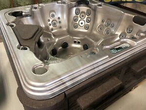 Reconditioned hot tubs and swim spas