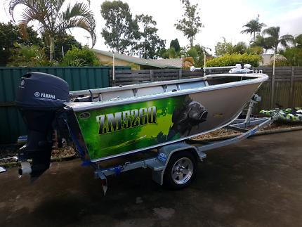 Aquamaster 4.2 deep sided custom tinny lowrance  ready to fish!