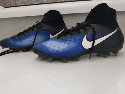 Nike high boot soccer shoes men size
