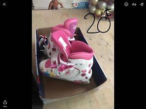 Divers accessoires et jouets pour bébé et enfants