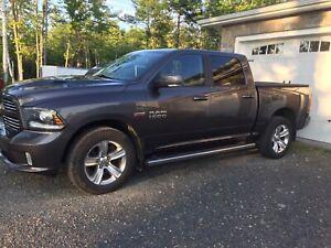 2014 DODGE RAM CREW CAB SPORT  !  $ 17900 !
