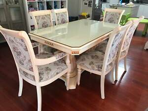 STUNNING Excellent Quality White Glasstop DINING SUITE Table Chairs