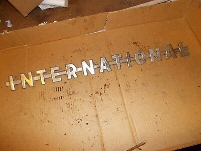 International 350 300 U Utility Ihc Tractor Nice Original Chrome Hood Emblem