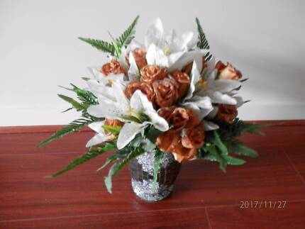 VASE WITH FLOWERS_2 Burnside Melton Area Preview
