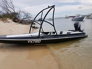 22ft ski/fishing boat 200hp Brisbane City Brisbane North West Preview