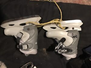 Adjustable learning skates