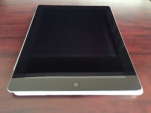 iPad 2nd Gen (32GB) Mint like NEW, price FIRM
