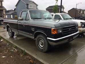 Low km's 1990 Ford F150