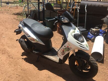 2013 Piaggio Typhoon 50cc Moped/Scooter