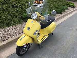 Vespa scooter for sale 250cc