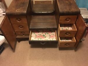 Vintage dressing table Westleigh Hornsby Area Preview