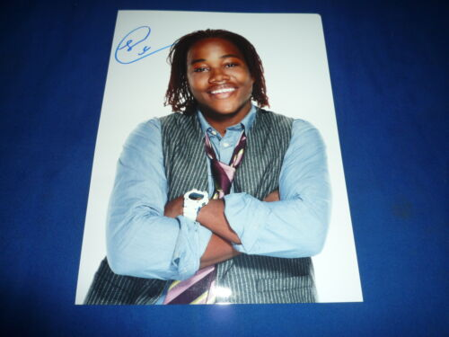 LEON THOMAS  signed Autogramm In Person 20x25 cm VICTORIOUS , VICTORIA JUSTICE