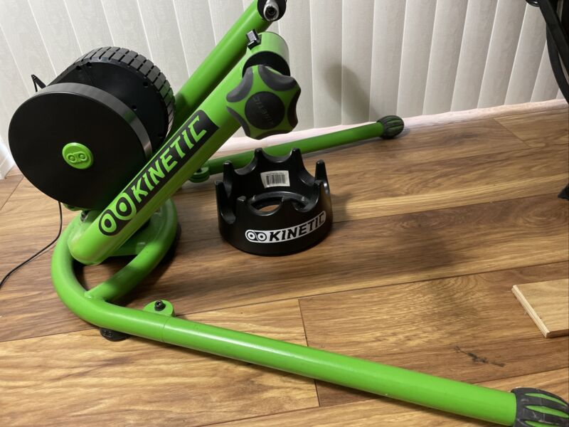 Kinetic T-6500 Rock and Roll Control Cycling Trainer With Turntable Riser Ring
