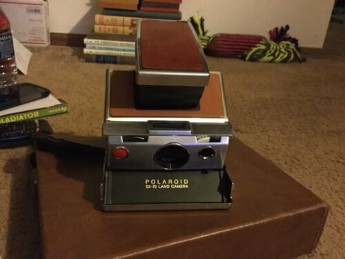 Vintage Poloroid sx-70 land camera w/ leather case&booklets