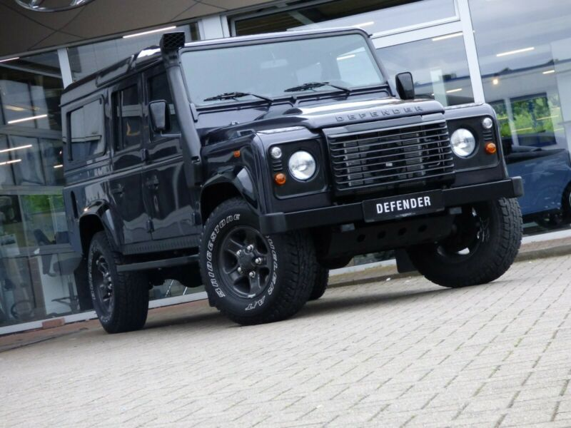 Land Rover Defender 110 *BLACK EDITION*LEDER EXCLUSIV*NAVI*