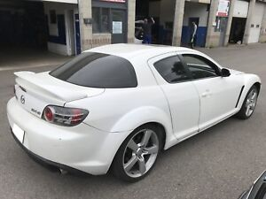 2005 MAZDA RX8 WITH LEATHER, SUNROOF, AND MORE!