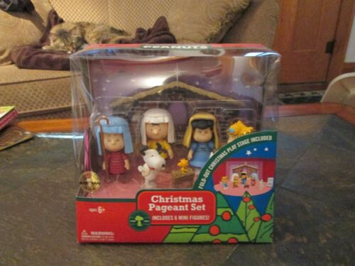 2009 Peanuts Snoopy Charlie Brown Christmas Pageant  6 Mini Figures set