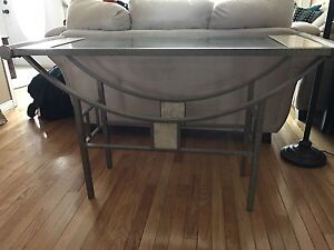 Matching coffee table set