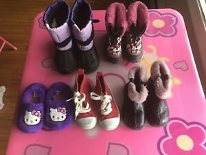 Little girl's winter shoes (size 6)