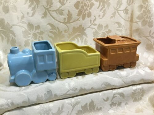 VTG,3 LOT SHAWNEE USA POTTERY TRAIN STEAM ENGINE TRAIN RAILROAD PLANTER,CABOOSE