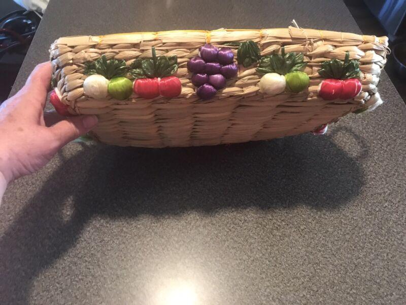 Vintage Woven Raffia Straw Casserole  Basket Tray, Fruit,