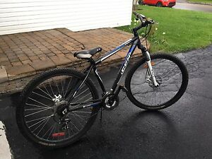 CCM ER mountain bike 21 speed
