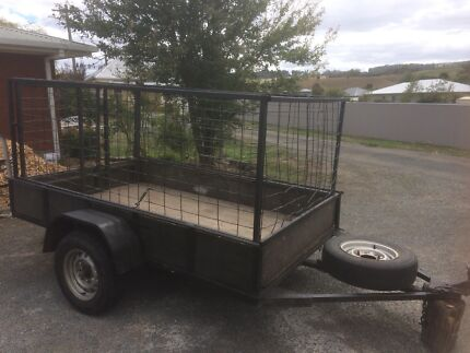 Trailer 8x5 with hurdles $750 ono