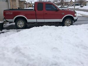 2000 Ford F150 XLT SUPERCAB 4x4.