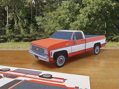 Papercraft 1975 Chevrolet Silverado 2 tone pickup truck Pape