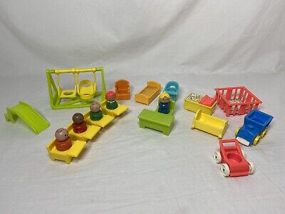 Vintage Fisher Price Little People SCHOOL HOUSE 923 Teacher Students Desk Chairs