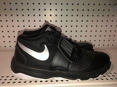 Nike Team Hustle D8 GS Boys Athletic Basketball Shoes Size 7Y Black Gray