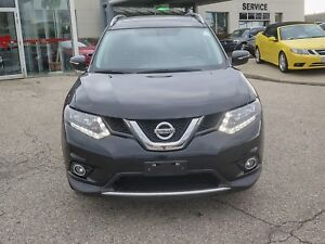 2014 Nissan Rogue SV   AWD  Panoramic Sunroof/backup Camera/Htd.