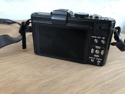 Leica D-LUX 5 digital camera