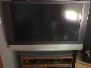 "Tv sony 55"" no hdmi port, i have a vga to hdmi cable"