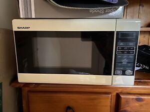 Sharp 750w Microwave Microwaves Gumtree Australia