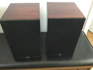 Monitor Audio Gold MA 700 speakers