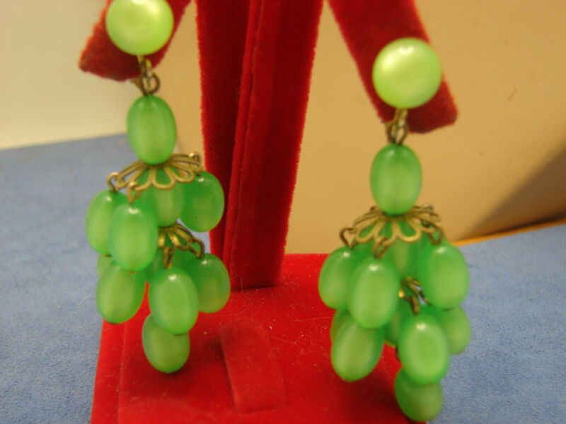 "Vintage 2 1/2"" Green Opalescent Moon Glow Bead Cluster Lucite Clip on Earrings"