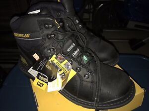 New Caterpillar boots. As you can see never worn in the box