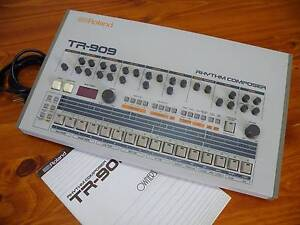 Roland TR-909 Rhythm Composer Toowoomba Toowoomba City Preview