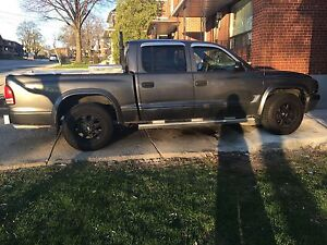 DODGE DAKOTA 2003 $2000