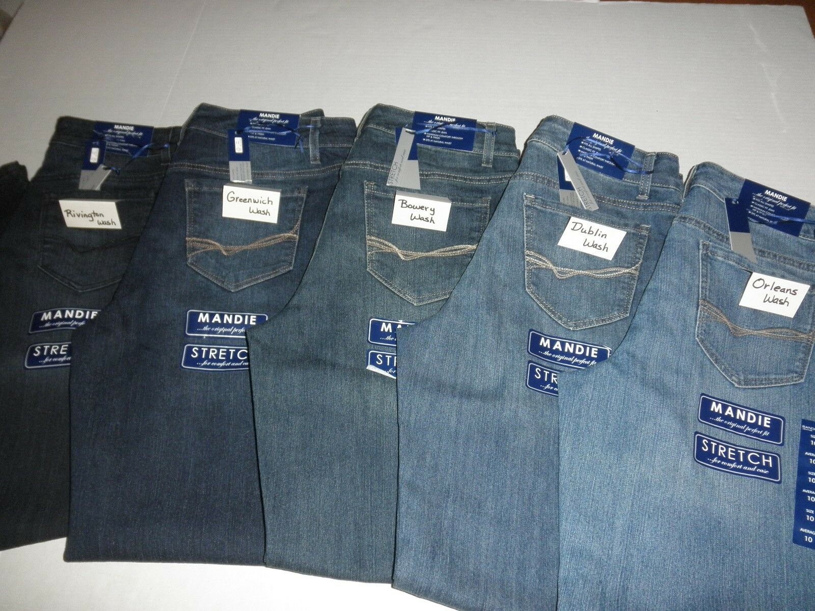 "NWT $48 Bandolino ""MANDIE"" Classic Fit STRETCH Jeans for Wom"
